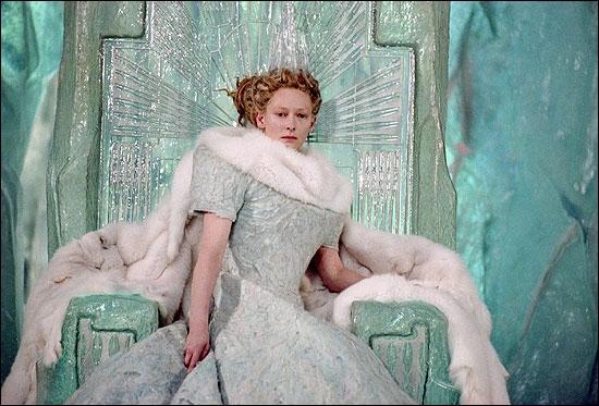 Quel est le prénom de la sorcière blanche ?