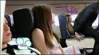 Comment s'appelle la première prof particulier de Violetta ?
