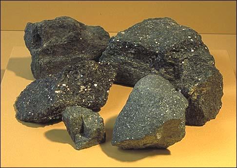 À partir de quel minerai produit-on de l'énergie nucléaire ?
