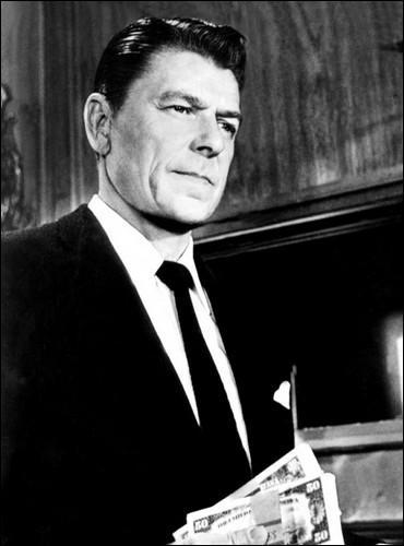 À bout portant  fut le dernier film de Ronald Reagan. Dans ce film, a-t-il un rôle de gentil ou de méchant ?