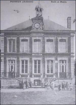 En 1881, toutes les communes ont eu l'obligation d'avoir une école.