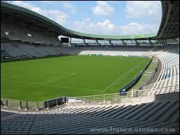 À quel club appartient ce stade ?