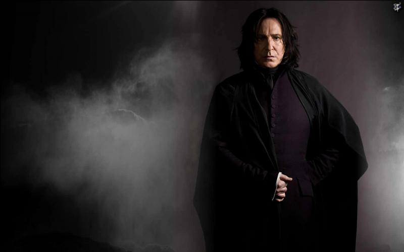 Quel acteur interprète Severus Rogue (Snape) ?