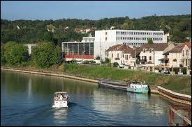 Celle de Champagne-sur-Seine (département 77) se situe en région ...