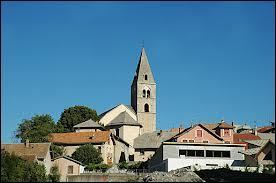 Je vous emmène à Chorges (région P. A. C. A), commune située dans le département n° ...