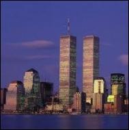 Quels bâtiments ont été la cible des terroristes à New York ?