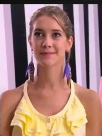 Pourquoi Angie ne dit pas la vérité à Violetta ?
