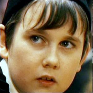 Que se passe-t-il lorsque c'est au tour du séduisant Neville d'être 'réparti' ?
