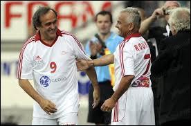 Avant d'être consultant pour Canal +, Olivier Rouyer a été un joueur de foot sélectionné en équipe de France. Il a débuté dans le même club que Michel Platini...