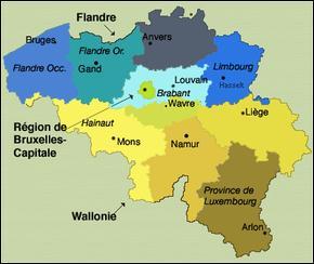 La Belgique est un État fédéral de l'Europe de l'Ouest. L'hymne national est la Brabançonne. Les langues officielles sont le français et le néerlandais.