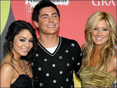 Cette photo d'Ashley, Zac et Nessa a été prise en :