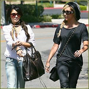 Que sont allées faire Ashley et Vanessa ?