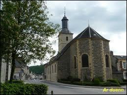 Voici l'église de Nouzonville (département 08), située en région ...