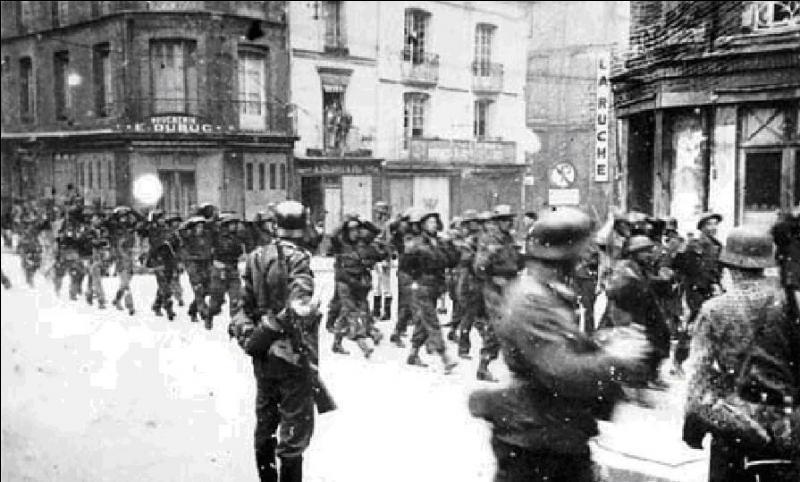 En août 1942, une première tentative de libération du continent européen a eu lieu. Ce fut un échec complet, les Canadiens subirent les principales pertes.Que s'est-il passé ?
