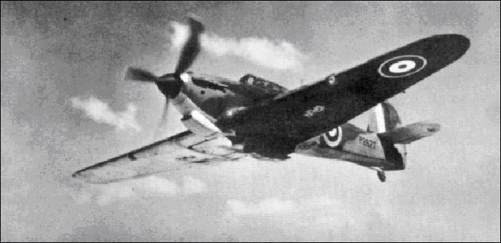 Cet avion est un des plus importants, un avion emblématique de la 2e Guerre mondiale, il participa à la bataille d'Angleterre.Quel est-il ?