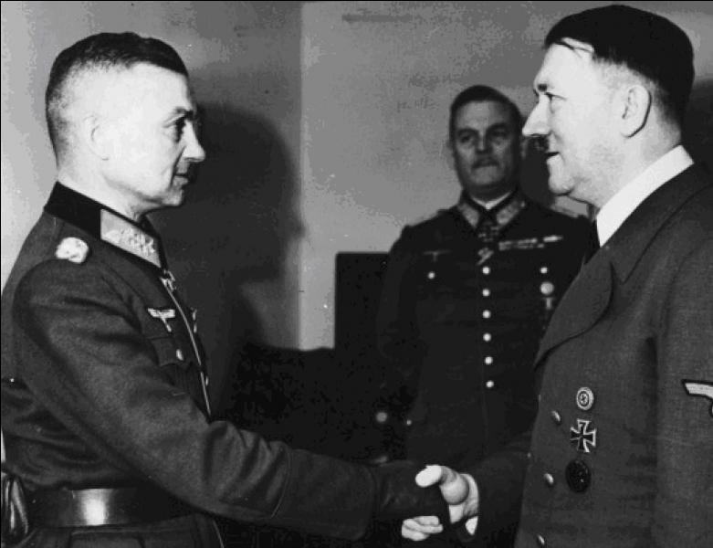 Cette bataille se déroule fin 1944 début 1945, les forces US furent surprises par l'attaque allemande. Les USA l'appellent « la bataille du Saillant ».Comment les français appellent cette bataille ?