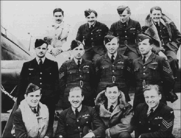 Peu de temps après la chute de la France, une nouvelle bataille s'engage. Les Allemands s'attaquent aux ports, aux installations et aux villes (dont Londres et Coventry). Surtout, ils voulaient détruire l'aviation britannique et atteindre le moral de la population anglaise en vue d'un éventuel débarquement.Quelle est cette bataille ?