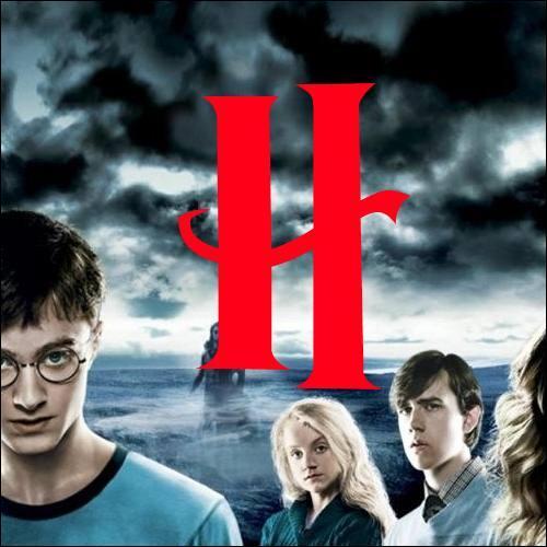 H. Comment s'appelle le village où habitaient les ancêtres de Voldemort ?