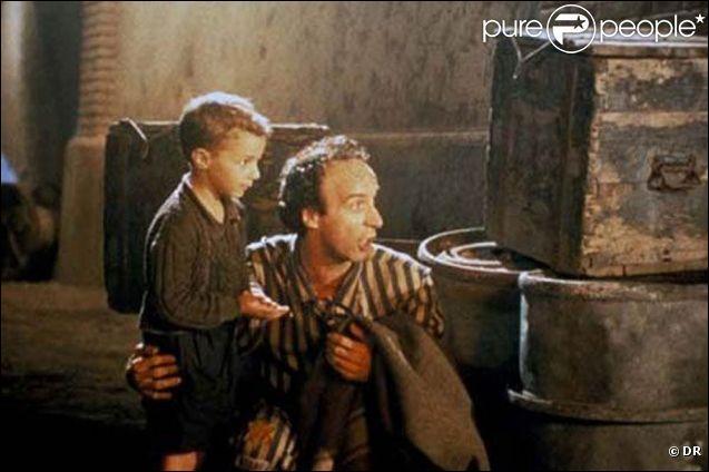 En vous aidant de la photo et avec cet indice :  ce film a reçu le César du meilleur film étranger en 1999  par conséquent quel est-il ?