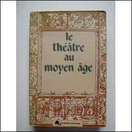 Combien de temps se passe-t-il entre le règne de la comédie romaine et le théâtre du Moyen Âge ? Une absence de théâtre qui dure :