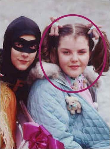 Quelle chroniqueuse occasionnelle de «Touche pas à mon poste» tenait le rôle de Boulotte dans la série «Fantômette» diffusée en 1992, alors qu'elle n'avait que 12 ans ?