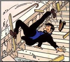 Dans quel album une marche de l'escalier est cassée au Château de Moulinsart ?