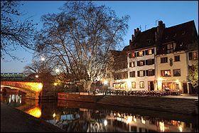 De quelle ville la Petite France est-elle un quartier ?