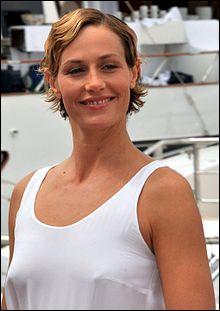 Cécile de France est française :