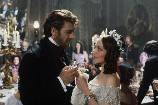 Quel grand cinéaste a filmé  La Traviata  avec Teresa Stratas et Placido Domingo en 1983 ?