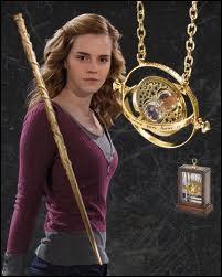 Qui a donné le retourneur de temps à Hermione et quand ?