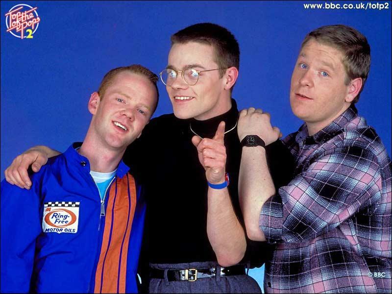 Quel est ce trio anglais d'enfer ? Le chanteur a une voix a casser du cristal ( Why ).