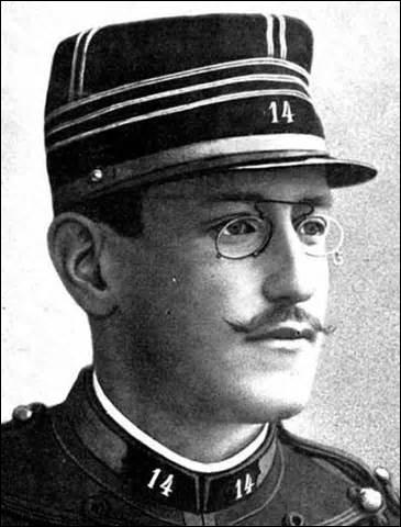 L'affaire d'accusation du capitaine Dreyfus pour trahison a duré de...