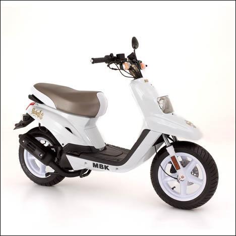 Quel est le modèle de ce scooter MBK ?