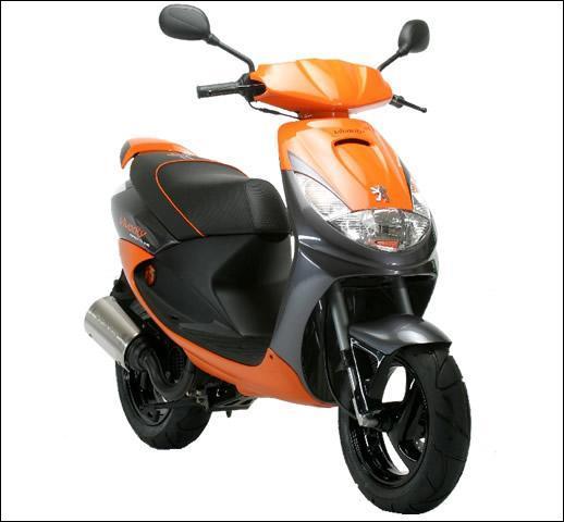 Quel est le modèle de ce scooter Peugeot ?