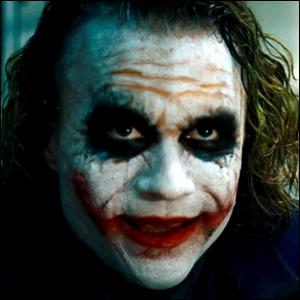 Le grand final... Qui, dans 'Harry Potter', a un sourire de dément (tel le Joker ci-dessous) ?