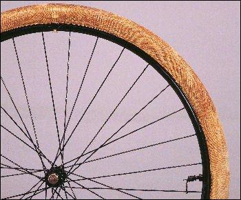 C'est Kléber qui eut l'idée de fabriquer le premier pneu démontable pour vélo.