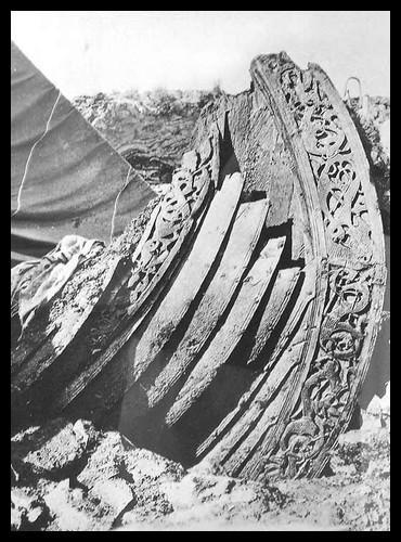 Le vestige très célèbre d'un de ces bateaux à été retrouvé en 1904, et a été intégralement reconstitué. Comment s'appelle-t-il ?