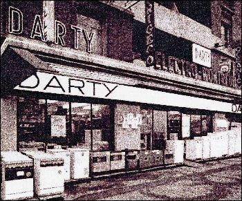 Que faisait la famille Darty avant de se lancer dans la commercialisation de l'électroménager ?
