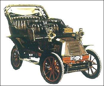 Le premier modèle d'Hispano-Suiza voiture de luxe est baptisé l'Alphonse XIII, du nom de son premier possesseur, le roi d'Espagne.