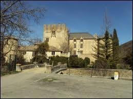 Pour commencer, je vous emmène en région P. A. C. A. , à Allemagne-en-Provence. La commune se situe dans le département ...