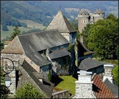 Je pars à Tournemire, dans le Cantal. Cette commune, labellisée Plus Beaux Villages de France se situe en région ...