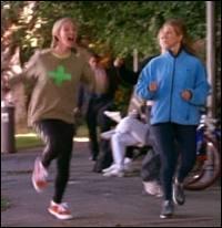 Pourquoi est-elle allée vivre chez Phoebe ?