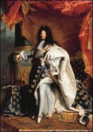 En 1685 , par quel édit Louis XIV a-t-il officiellement révoqué la liberté de culte qu'Henri IV avait accordée aux protestants ? Elle entrainera l'exil de plusieurs centaines de milliers de personnes hors des frontières de France.
