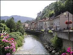 Je suis à Saint-Rambert-en-Bugey, dans le 01. Je me situe donc en région ...