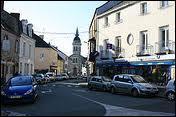 Nous sommes dans les rues de la commune de Savenay, dans les Pays-de-la-Loire et dans le département ...