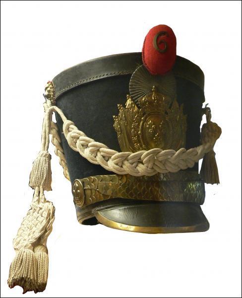 Plus grand que le képi, il fut utilisé par l'armée prussienne
