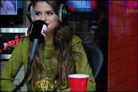 Selena est-elle déjà allée chez Cauet sur NRJ 12 ?