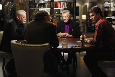 Ecrivain célébre, Castle a pour habitude de jouer au poker avec d'autres écrivains célèbres, joués par les vrais écrivains en question. On a ainsi le plaisir de voir à l'écran James Patterson, Dennis Lehane, Michael Connelly... et ?