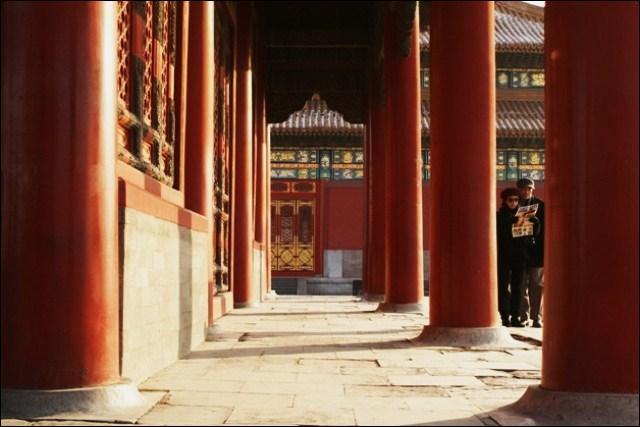 Les colonnes de la Cité sont rouges, couleur en Chine impériale :