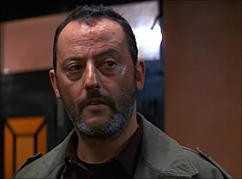 Jean Reno a joué dans le film  Hôtel Rwanda .